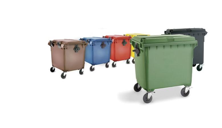 Contenedores y cubos de basura.